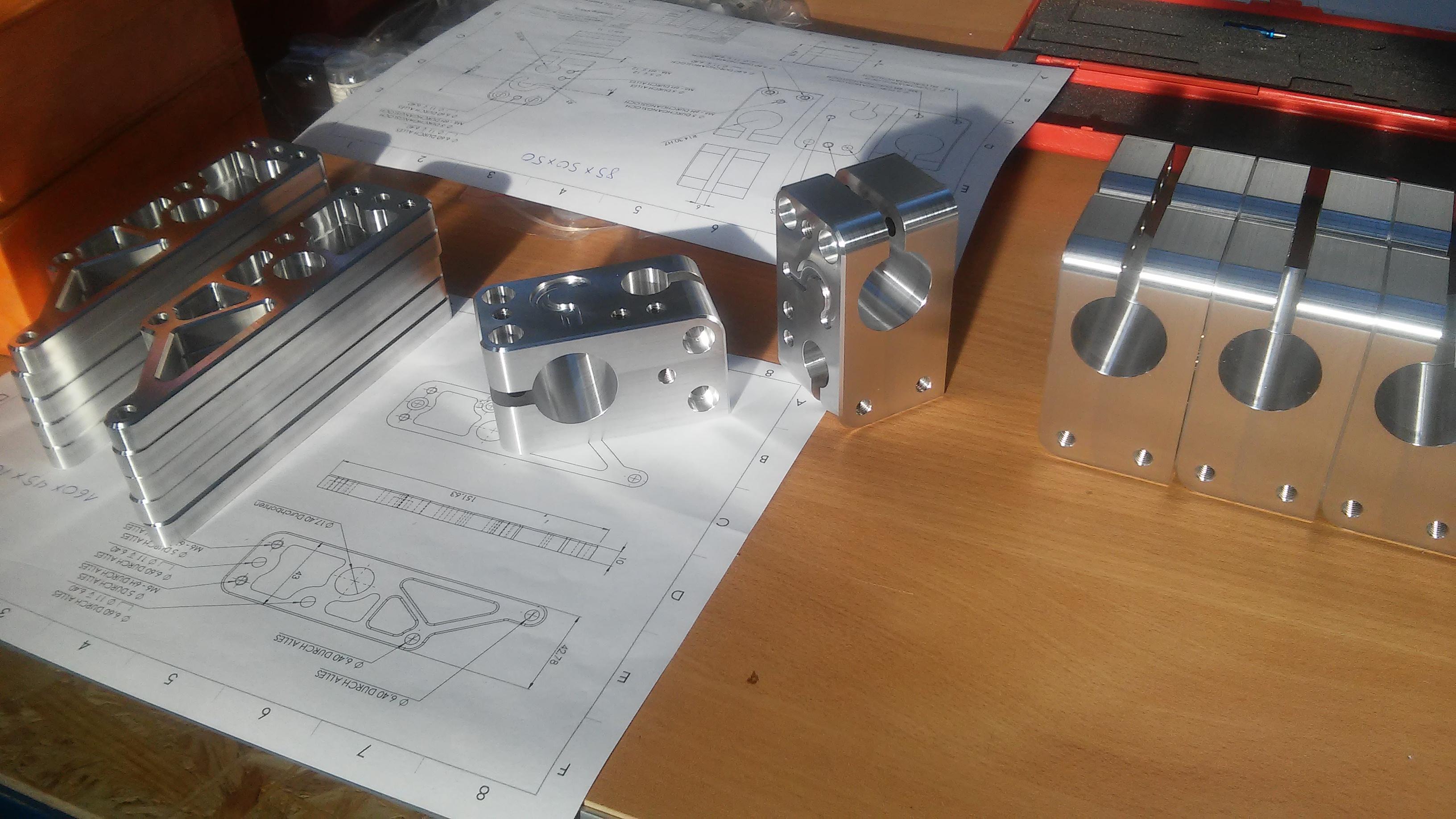 2017_build_08_cnc_parts.jpg